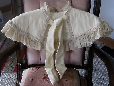 Vintage cape/capelet for a child, white fabric,braid trim and lace, STUNNING