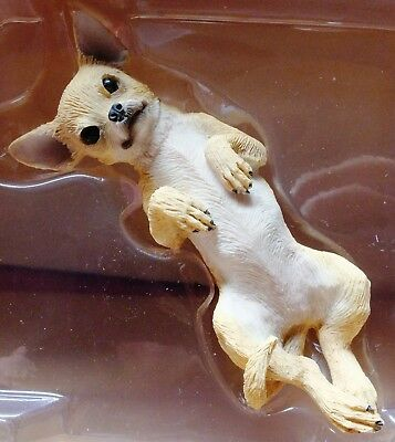 SANDICAST Chihuahua Dog Tan Handmade Sculpture Figurine Authentic New in Box
