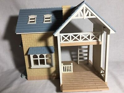 Calico critters/sylvanian families Bluebell Cottage house