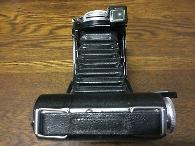 KODAK FOLDING BROWNIE SIX-20 - Kodamatic shutter - 1930's Vintage