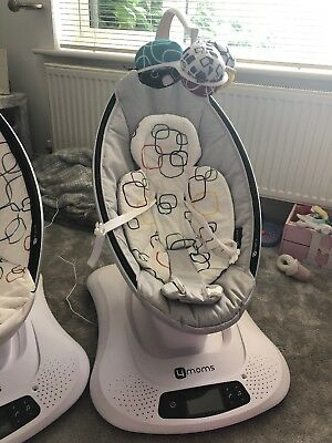4moms MamaRoo 4.0 Baby Bouncing Chair and New Born Infant Insert