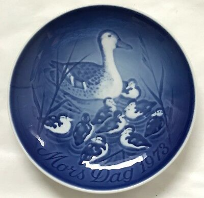 """B&G Bing & Grondahl 1973 Mothers Day Collectors Plate 6"""" Duck + Ducklings Mint"""