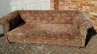 Good antique/Vintage Chesterfield sofa - settee