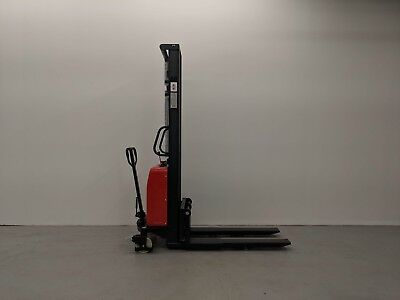 Hoc Spnt1035 - Semi Electric Pallet Stacker 1000 Kg (2204 Lbs) 138 Inch Capacity