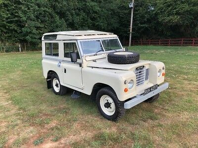 Landrover 88 Series 3 Station Wagon Safari Galvanised Chassis Fully Restored