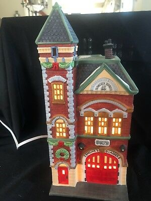 Dept 56 Christmas in the City - Red Brick Fire Station