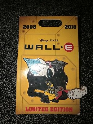 Brand New Wall E and Eva Slider 10th Anniversary Disney Pin Limited Edition 2000