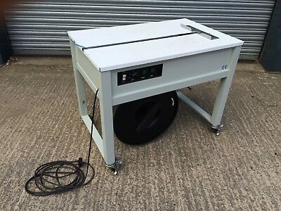 JN-600 Semi automatic strapping machine - hardly used - perfect condition