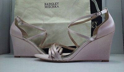 Badgley Mischka Bonanza Women's Light Pink Satin Wedge Heels Sandal Size US 10 M