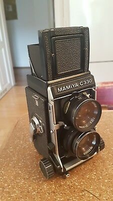 Mamiya C330 professional mit 80mm sekor f:2,8. Medium format, 6x6. Twin lens