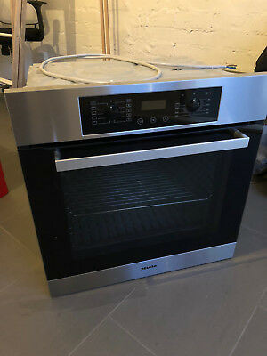 Miele Oven, 60cm wide, 76 lt capacity, excellent condition, model number H4810B