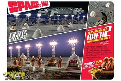 MPC 860 Space 1999 / Mondbasis Alpha 1 - Nuclear Waste Area 2 - Diorama Set 1:48
