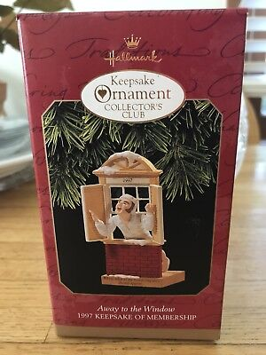1997 Hallmark Keepsake Member Ornament Away To The Window New!
