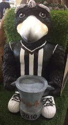 MAGPIE 2010  CUP - Collingwood Magpies footy memorabillia cup lights up