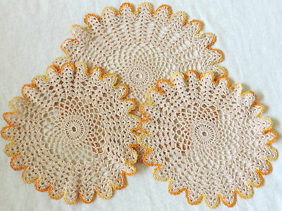 VINTAGE Hand Made CROCHET LACE DOILIES DOILY Round Centre Piece Table Mats x 3