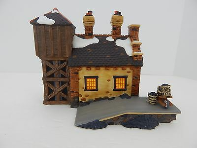 Dept 56 Dickens Village The Locomotive Shed & Water Tower #58465 Good Condition