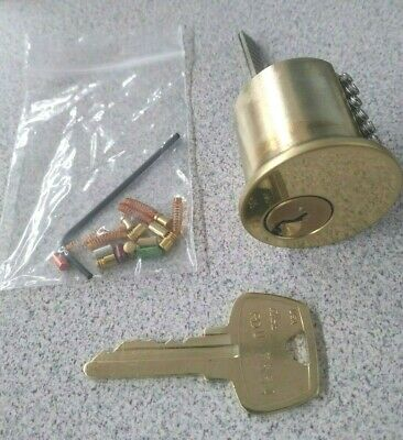 6 Pin Beginners Practice Lock Yale. Extra Standard, Spool and Serrated Pins