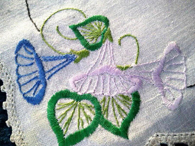 Stunning 3 Piece Morning Glory Flowers  ~ Vintage Hand Embroidered Duchess set
