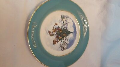 Avon Aqua Christmas Porcelain Plate 1978-Trimming the Tree