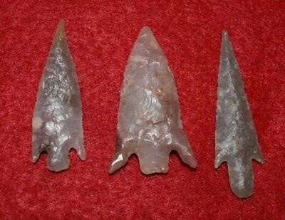 3 high quality Sahara Neolithic stemmed projectile points,  nice barbs