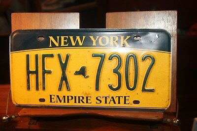 2010 New York Empire State License Plate  HFX 7302