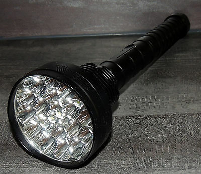 Lampe Torche Waterproof Ultra Puissante 21 Led T6 30000lm Portee