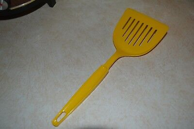 Vintage Ekco Spectrum Yellow Nylon High Back Wide Slotted Spatula Turner 37494