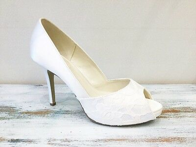 Beautiful Lace Detail Ivory Satin Bridal Shoes size 7