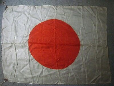ORIGINAL WW2 ERA  Japanese ' Hino-Maru ' Flag....Silk,....35 '' x 26 '' inches