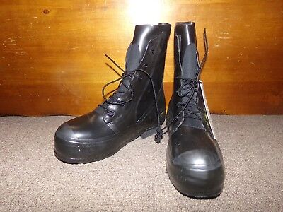NEW USGI Military Mickey Mouse Boots Black Extreme Cold Weather size 10R BATA