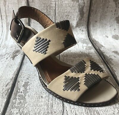 61a6b80055c CLARKS Size 4 Tan Gold Brown Leather Sandals Heel Smart Comfy Autumn Work  Office