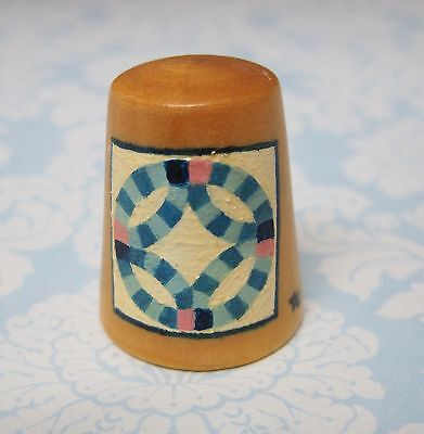 Hand Painted Signed Numbered Thimble Double Wedding Ring Quilting Block Pattern