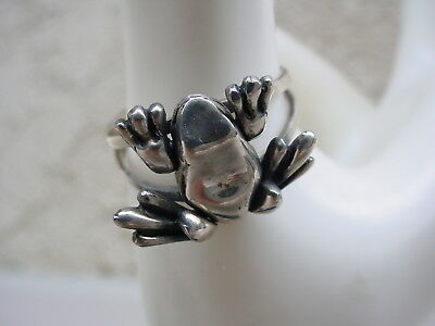 925 STERLING SILVER FROG FIGURAL RING MOVEABLE ARMS/LEGS ~ 4.6 grams ~ 8 1/4
