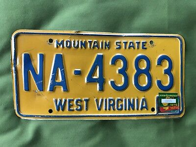 Guc Vintage 1976 Gold/blue West Virginia Auto License Plate Wv Usa Na 4383 Good