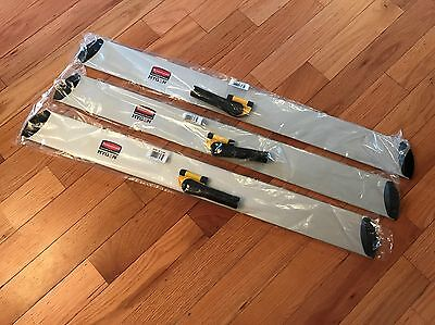"""Rubbermaid Hygen 36"""" Q580 Quick Connect Hall Dusting Frames - Lot of 3"""