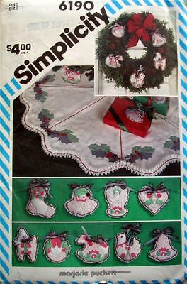 Simplicity Pattern 6190 Shadow Quilted Christmas Ornaments Tree Skirt Uncut