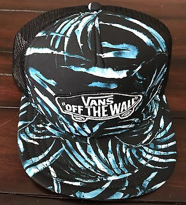 6032e198 VANS OFF THE Wall Classic Patch Flamingo Pool Vibes Trucker Hat Mens ...