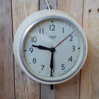 A Smiths Sectric Clock Bakelite Mid Century Vintage Industrial