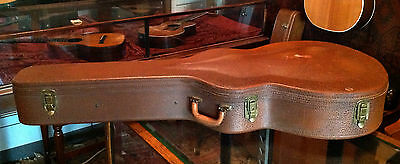 """D'angelico New Yorker Case. 18"""". 1950's Lifton."""