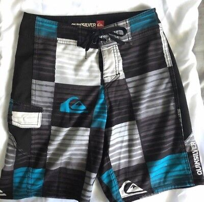 Boys Size 12 Quiksilver Board Shorts   4-way stretch