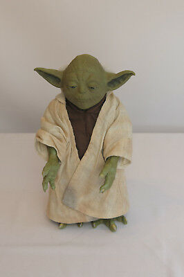 Hasbro 2005 Star Wars Call Upon Yoda! Interactive Storytelling Jedi Master