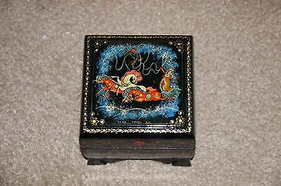 Russian hand painted wooden wood lacquered trinket box Troika Sleigh 3 Horses