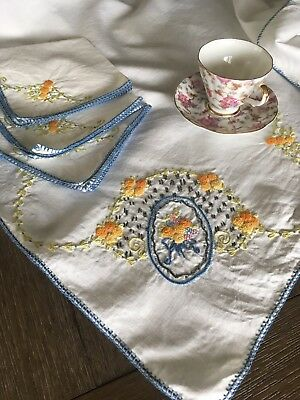Vintage Mid Century Embroidered Tablecloth W/ Napkins