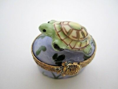 CHAMART LIMOGES France Peint a la Main SMALL TURTLE Hinged Trinket Box
