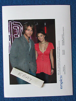 "Original Press Photo - 8""x6"" - Delta Goodrem & Brian McFadden - 2005 - E"
