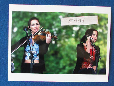 "Original Press Photo - 8""x6"" - The Corrs - Sharon Corr & Andrea Corr - 2002"