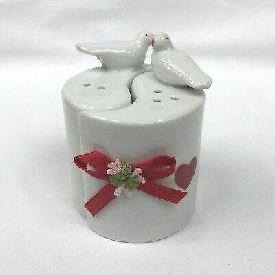 Vintage 1980's Cute White Ceramic Love Birds Salt & Pepper Shakers Heart Bow EUC
