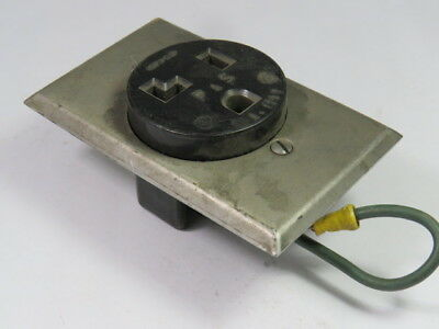 Pass & Seymour 3802 Power Outlet 30A 125V 2P 3W 5-30  USED