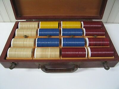 Vintage Set 400 Spread Eagle Poker Chips in Case w/4 Removable Trays