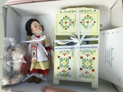 """Madame Alexander 8"""" Old Mother Hubbard Doll #39850 New in Box with Accessories"""